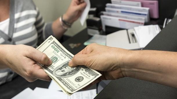 Оформление в виде частного займа,сделка закрепляется договором,со ставкой 10,9%.С любой КИ,без справок.Требования минимальные.Сумма до 1.
